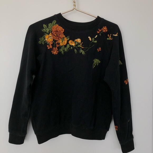 New Aritzia Little Moon Amaranth Sweater